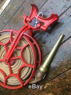 Antique Fire Hose Reel Laiton Pompier Robuste Buse Très Bon État