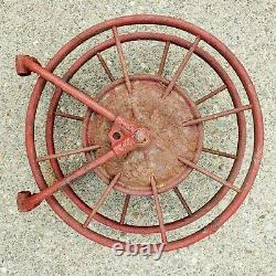 Au Début Des Années 1900, L'antique Wirt & Knox Fire Hose Reel W&k Co Embossed Red Industrial
