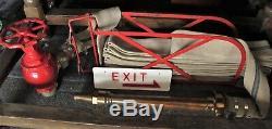 Tuyau D'incendie Dans Murale Cradel Avec Operated Buse Et Main Feu Robinet C 1950
