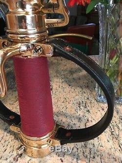 Vintage 2 1/2 Pouces Cordon Rouge Akron Enveloppé Laiton Poignée En Cuir Feu Buse