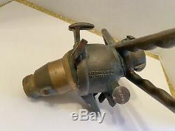 Vintage Akron 1,50 Npsh Brass Fire Hose Buse Deux Billes Handed Pivot Avec Poignées