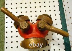 Vintage No Name Brass Fire Hose Wye One 2 1/2 Femelle À Deux Gated 1 1/2 Mâles
