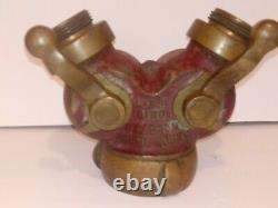 Voleur Bouche D'incendie Tuyau Eau Wye Akron Brass Wooster, Ohio Laiton Massif
